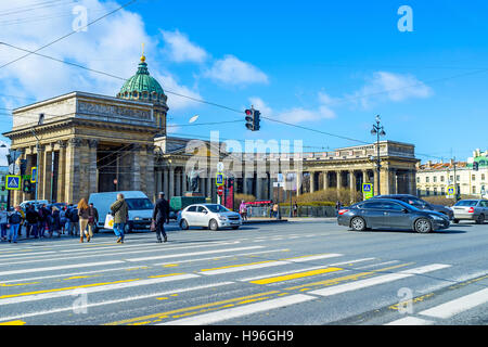 The view on the Cathedral of Our Lady of Kazan, located on the crowded Nevsky Prospect - Stock Photo