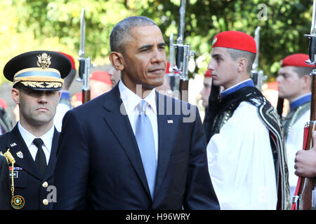 US President Barack Obama and his greek counterpart Prokopis Pavlopoulos review the Presidential Guard in Athens. - Stock Photo