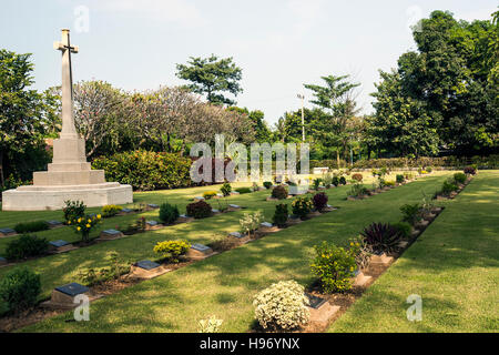 Cemetery of World War 2 casualties, Kanchanaburi, Thailand ...