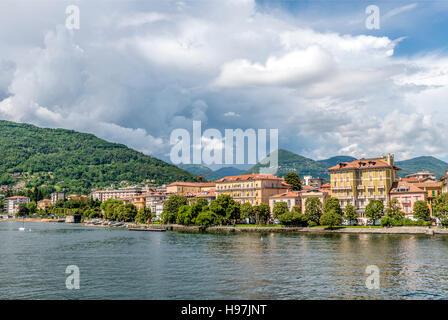 Waterfront of Pallanza at Lago Maggiore seen from the seaside, Piemont, Italy |  Seepromenade von Pallanza, Lago - Stock Photo