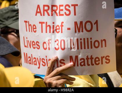 Kuala Lumpur, Malaysia. 19th Nov, 2016.  Malaysian wearing yellow t-shirt rally for a better and brighter Malaysia, - Stock Photo