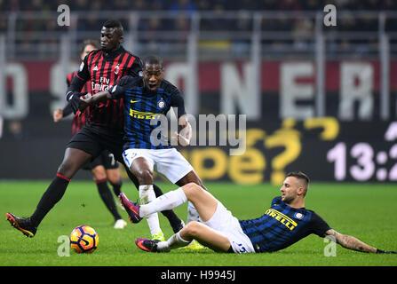 Milan. 20th Nov, 2016. Inter Milan's Geoffrey Kondogbia (C) and Marcelo Brozovic (R) vie with AC Milan's M'Baye - Stock Photo
