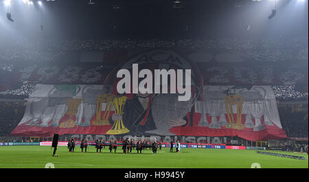 Milan. 20th Nov, 2016. Sopporters of AC Milan cheer ahead of the Italian Serie A football match between AC Milan - Stock Photo