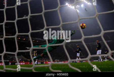 Milan. 20th Nov, 2016. AC Milan's Suso scores during the Italian Serie A football match between AC Milan and Inter - Stock Photo