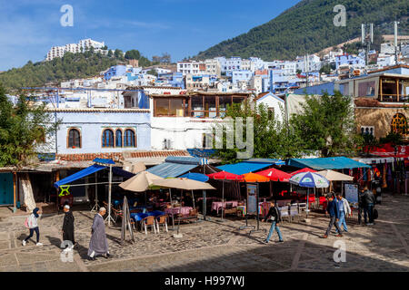 Cafes and Restaurants In Plaza Uta el-Hammam, Chefchaouen, Morocco - Stock Photo