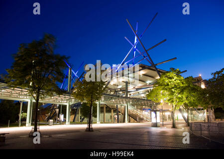 Germany,  Ruhr area, Oberhausen, bus- and streetcar stop in the district Neue Mitte. - Stock Photo