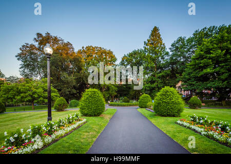 ... Walkway And Gardens At The Boston Public Garden, In Boston,  Massachusetts.   Stock
