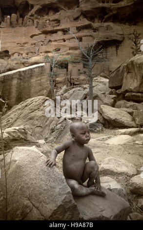 Tireli, Mali, Africa - January 30, 1992: Dogon village and typical mud buildings - Stock Photo