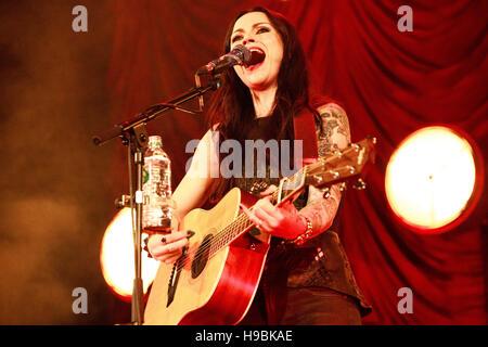 Islington Assembly Hall, Islington, London, UK, 21st November 2016, Amy MacDonald with an intimate concert at the - Stock Photo
