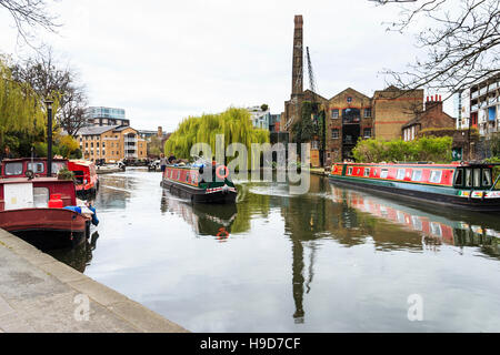 City Road Lock on Regent's Canal, Islington, London, UK - Stock Photo