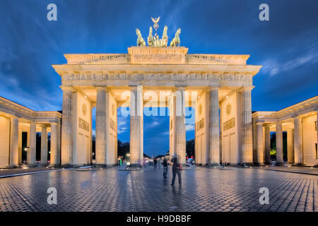 Berlin night, the Brandenburg Gate in Berlin, Germany. - Stock Photo