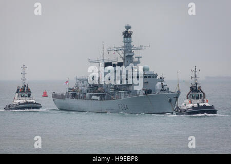 Type 23 Frigate, HMS Iron Duke returning to Portsmouth Naval Base - Stock Photo