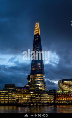 The Shard and river Thames at dusk, London, UK. - Stock Photo