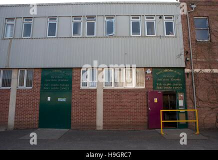 GV of Henry Aldridge & Son auction house in Devizes, Wiltshire, in one of their 100th Anniversary Titanic sales - Stock Photo