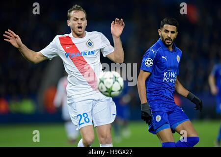 Leicester, UK. 22nd Nov, 2016.  UEFA Champions League group stages, Leicester City versus Club Brugges. Laurens De Bock defender of Club Brugge tries to shild the ball from  Riyad Mahrez midfielder of Leicester City FC Credit:  Action Plus Sports Images/Alamy Live News