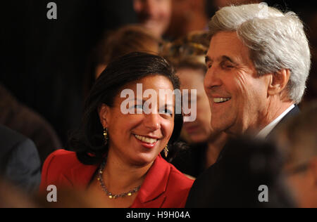 Washington, United States. 22nd Nov, 2016.  U.S. National Security Advisor Susan Rice (left) speaks with Secretary of State John Kerry before President Barack Obama presented the Presidential Medal of Freedom to 21 men and women in a ceremony in the East Room of the White House on November 22, 2016. The Presidential Medal of Freedom is the highest honor for civilians in the United States. Credit:  Paul Hennessy/Alamy Live News
