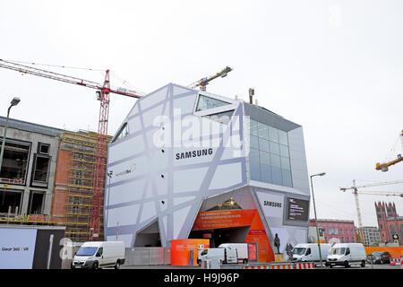Samsung Humboldt Box at the  'Berliner Schloss'  reconstruction site in Berlin  KATHY DEWITT - Stock Photo