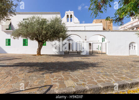 Spain, Balearic Islands, Ibiza, Sant Antoni de Portmany, the church - Stock Photo