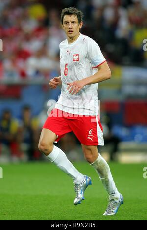 JACEK BAK POLAND & AL-RAYYAN WORLD CUP GELSENKIRCHEN GERMANY 09 June 2006 - Stock Photo