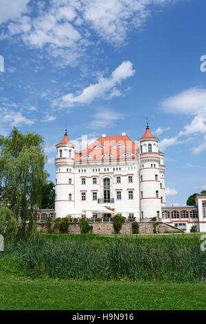 castle and hotel Schildau (Palac Wojanow). Wojanow, Myslakowice (Zillerthal-Erdmannsdorf), poland, europe - Stock Photo