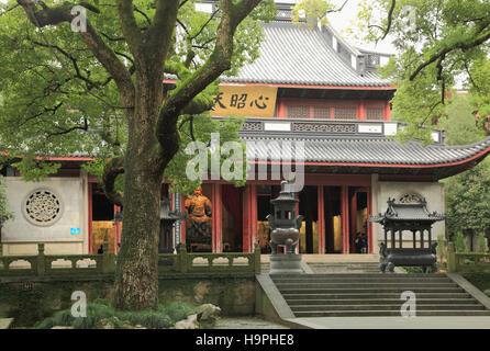 China, Zhejiang, Hangzhou, Yue Fei Temple, - Stock Photo
