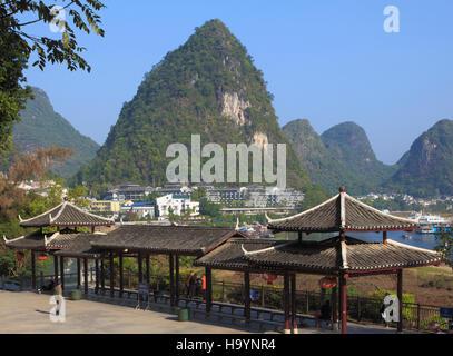 China, Guangxi, Yangshuo, Li River, town, scenery, - Stock Photo