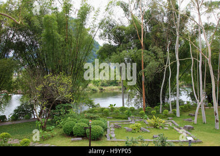 China, Guangxi, Yangshuo, Yulong River, garden, - Stock Photo