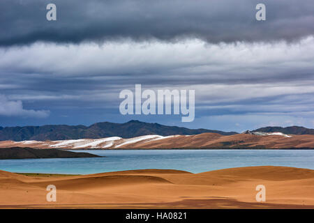 Mongolia, Zavkhan province, Khar Nuur lake - Stock Photo