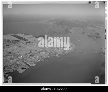sfmaritimenps collections 21658296410 #6829 Aerial view of northern San Francisco, looking northwest, 1968 March - Stock Photo
