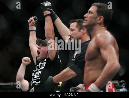 Clay Guida, left, celebrates his victory over Marcus Aurelio at UFC 74 during a mixed martial arts match at the - Stock Photo