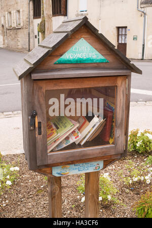Livres voyageurs or book sharing box  Ressons Le Long, Picardy, France,  Europe - Stock Photo