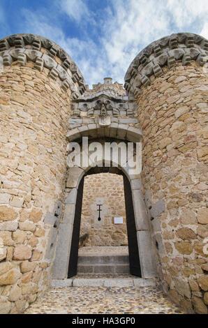 Manzanares el Real, castle, defense, construction, ancient ...