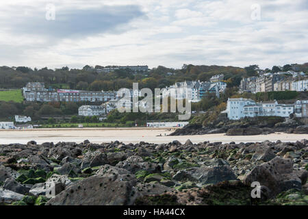 View along the beaches of St Ives in Cornwall towards Portminster beach at low tide - Stock Photo