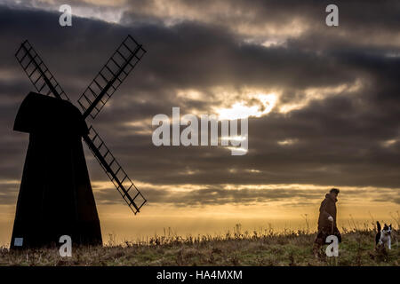Rottingdean, East Sussex, UK. 27th Nov, 2016. Sunset over the English Channel at the Rottingdean Windmill in East - Stock Photo