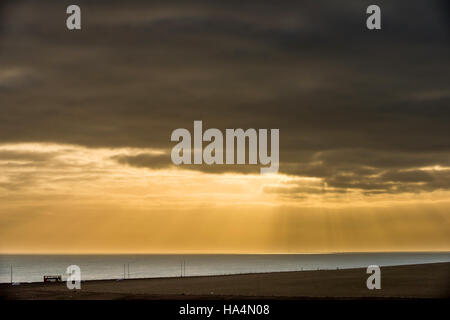 Rottingdean, East Sussex, UK. 27th Nov, 2016. Sunset over a new wind farm in the English Channel seen from Rottingdean - Stock Photo