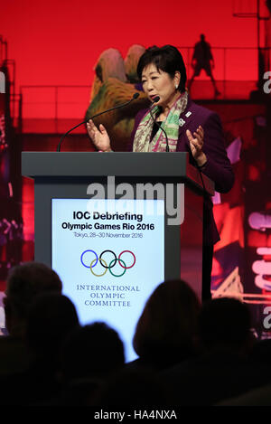 Tokyo, Japan. 28th Nov, 2016. Tokyo Governor Yuriko Koike delivers a speech at the opening session of IOC's debriefing - Stock Photo