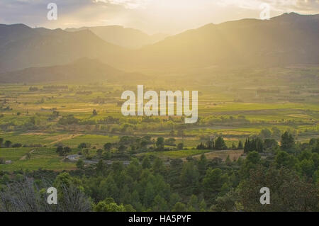 Corbieres Landschaft im Süden Frankreichs - Corbieres landscape in southern France - Stock Photo