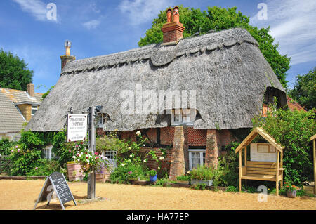 Thatched Cottage Hotel & Restaurant, Brookley Road, Brockenhurst, New Forest, Hampshire, United Kingdom - Stock Photo