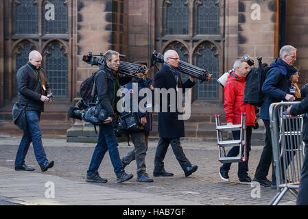 Chester, UK. 28th November 2016. Press and media arrive at Chester Cathedral for the memorial service for the Duke - Stock Photo