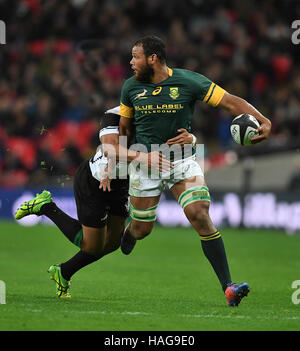 London ,UK,5th November,2016. Nizaam Carr breaks tackle during Barbarians v South Africa Killik Cup game at Wembley - Stock Photo