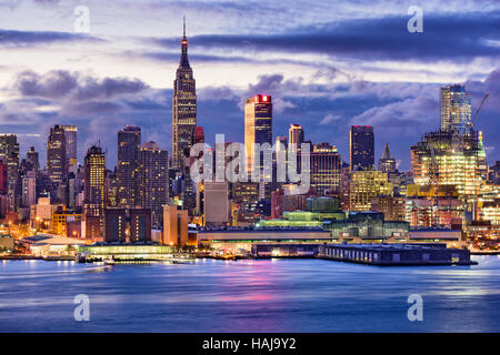 New York City midtown Manhattan skyline across the Hudson River. - Stock Photo