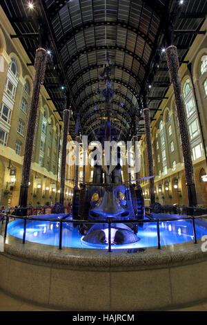 The Navigators, a sculpture by David Kemp at the Hay's Galleria on London South Bank - Stock Photo