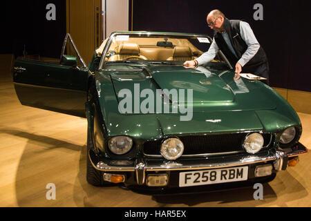 London, UK. 2 December 2016. 1988 Aston Martin V8 Vantage Volante 'Prince of Wales', 7.0 Litre. Est. GBP 600,000 - Stock Photo
