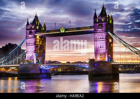 Tower Bridge, London, England, Tuesday, September 27, 2016.Photo: David Rowland / One-Image.com - Stock Photo