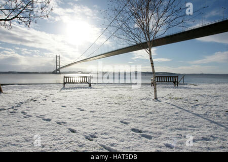 Humber Bridge, Hessle, Kingston upon Hull, snow - Stock Photo