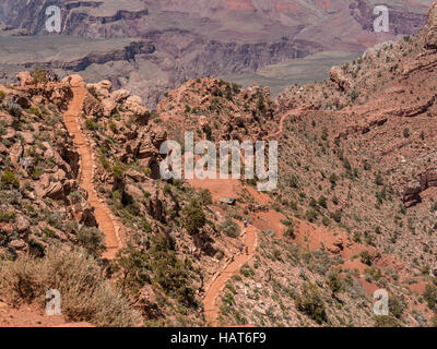 Looking down on Cedar Ridge, South Kaibab Trail, Grand Canyon South Rim, Arizona. - Stock Photo