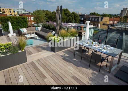 Contemporary roof terrace design - Stock Photo