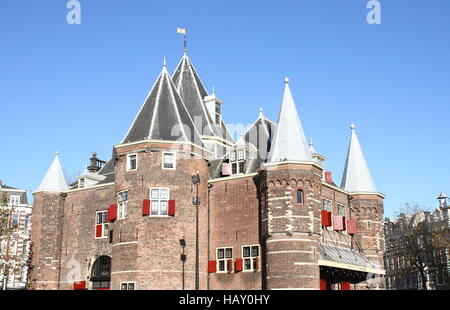 15th century Waag (Weigh house) at Nieuwmarkt square in Amsterdam, The Netherlands. Formerly a city gate, now a - Stock Photo