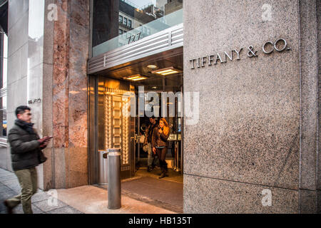 Exterior view of Tiffany & Co. on Fifth Avenue in New York City - Stock Photo