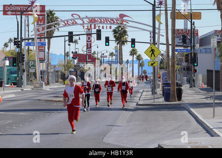 Las Vegas, Nevada, USA. 3rd Dec, 2016. The 2016 Las Vegas Great Santa Run is the largest cotumed 5k and biggest - Stock Photo